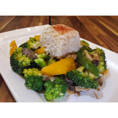 COMMONFOLKS Quinoa with Vegetables Healthy Meal